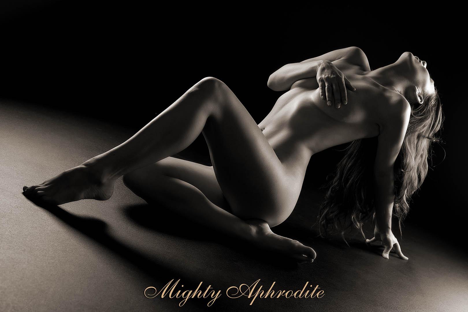 Artistic Mature Nude Photos 57